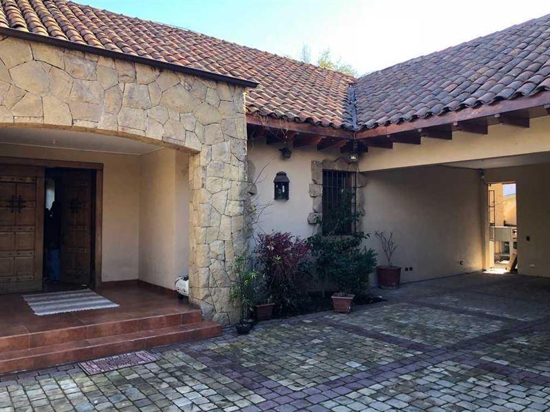 Casa en venta Lo Barnechea sector Huinganal