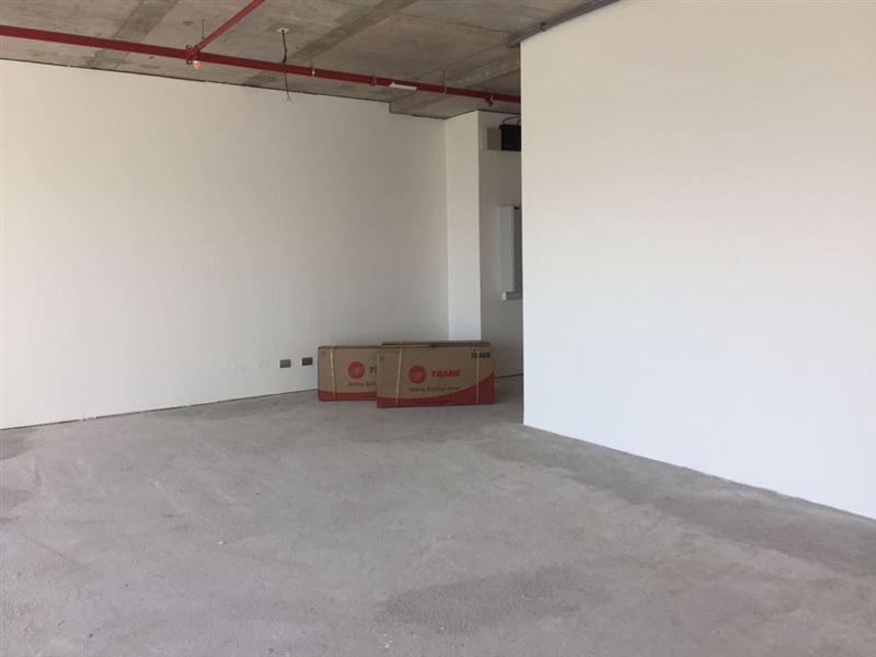 Oficina en arriendo Las Condes sector Metro Manquehue