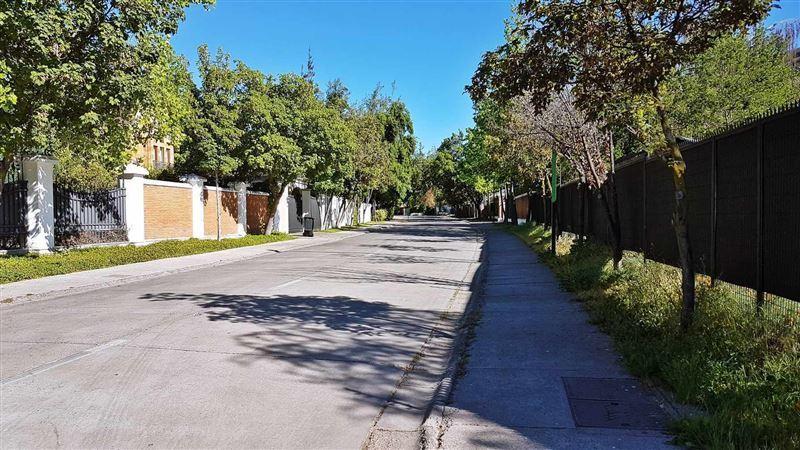 Sitio en venta Lo Barnechea sector Las Pataguas
