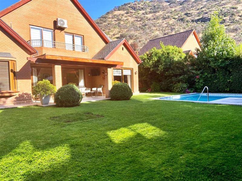 Casa en venta Lo Barnechea sector Los Trapenses