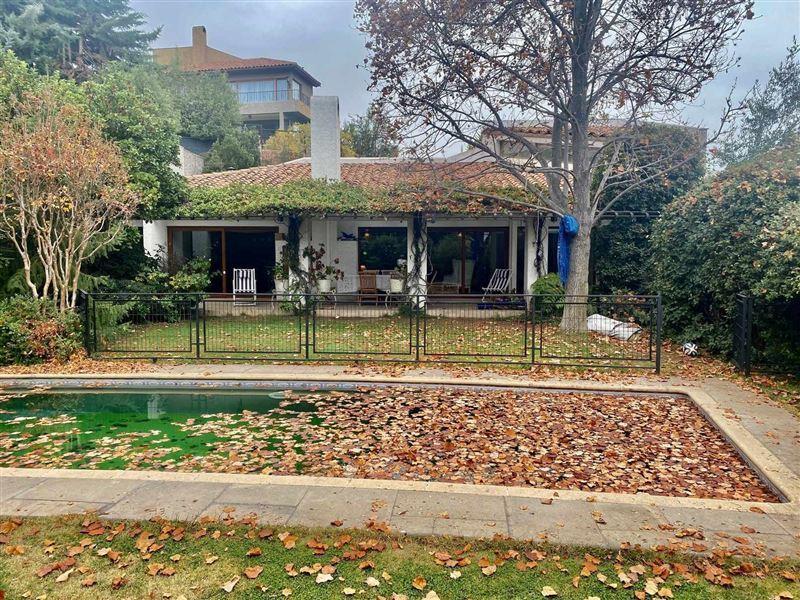 Casa en venta Lo Barnechea sector Santuario del Valle