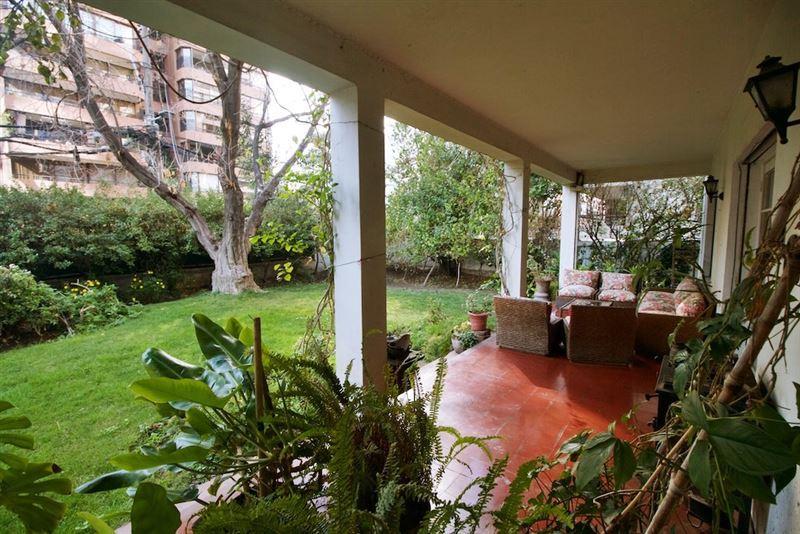 Casa en venta  y arriendo Las Condes sector Metro El Golf